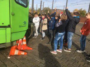 Schüler in der Stadtbahn – der 5. Jahrgang wird mobil!